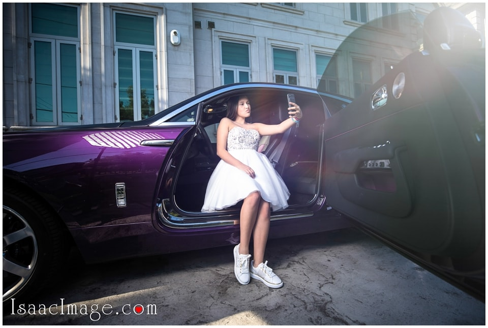 IMAGE: http://www.isaacimage.com/wp-content/uploads/2017/10/Toronto-Rolls-Royce-Wraith-and-Mercedes-Maybach-Brabus-photo-session-37.jpg