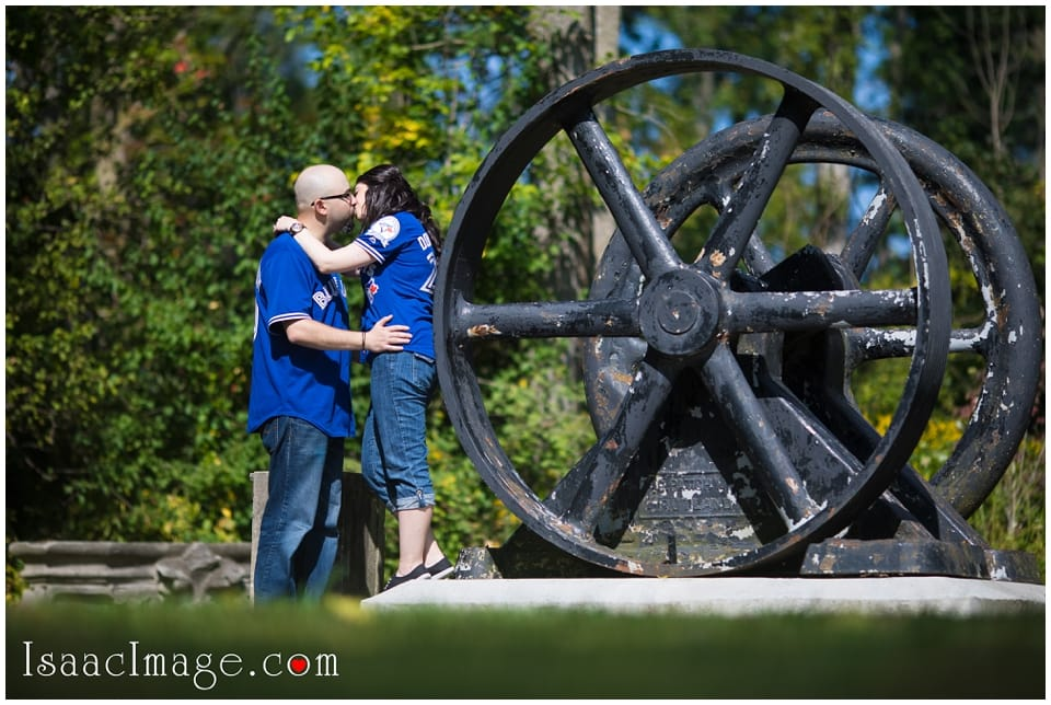 Guildwood Park Engagement Mike and Marina_4006.jpg